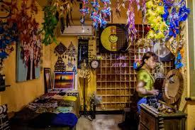 Эзотерический магазин как место предметов особой силы