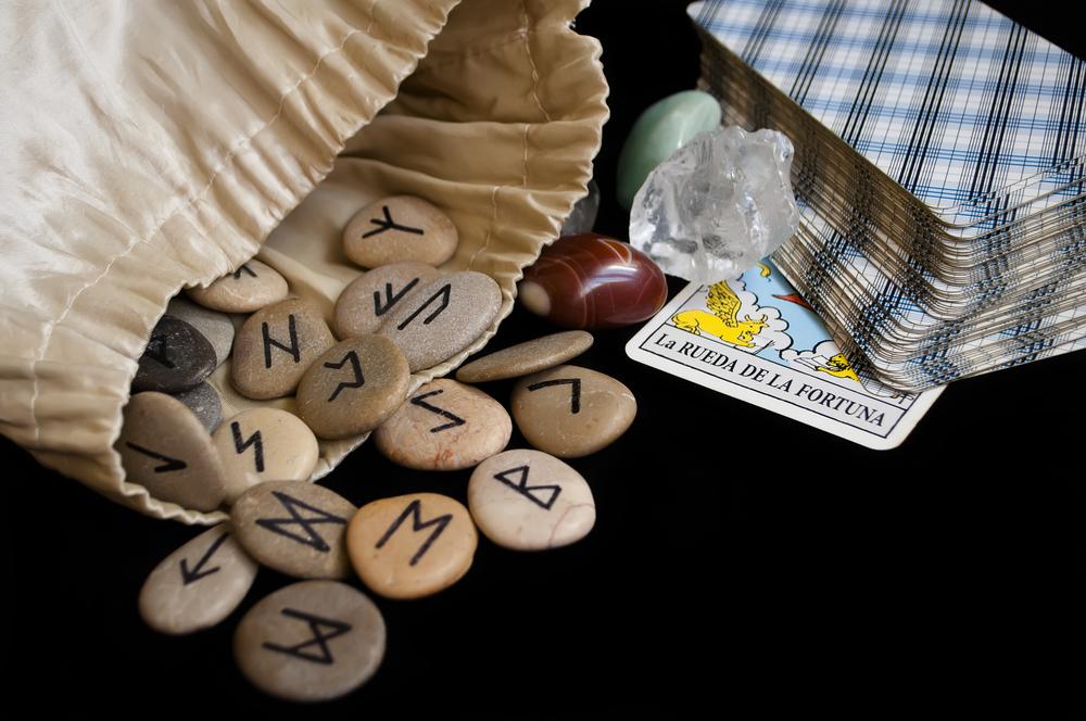 Гадание на рунах - магический алфавит для чтения судьбы