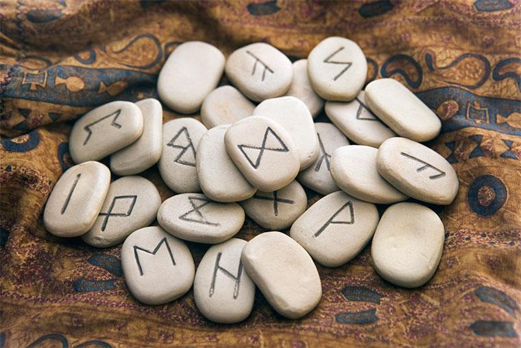 Рунические ставы – быстродействующая древняя магия