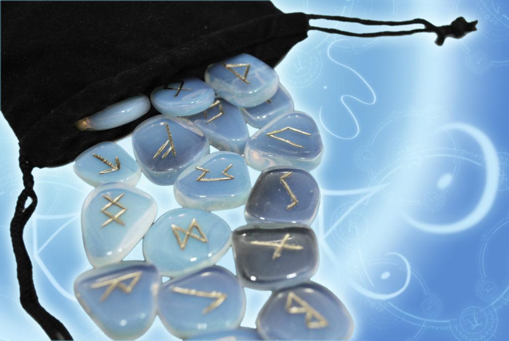Руническая магия и гадание на рунах
